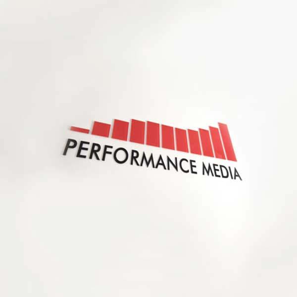 14 lat doświadczenia Performance Media